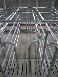 Jaulas autocapturantes en la Granja Solallong