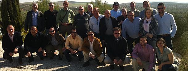El pasado 27 y 28 de marzo, Córdoba reunió a un grupo de veterinarios comerciales en torno a los productos más destacados de las ramas de porcino y de rumiantes