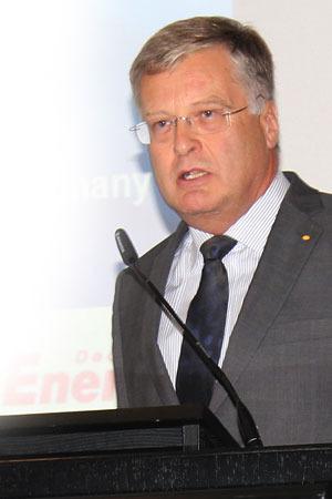 Dr. Hans-Joachim Götz, Presidente de la Federación de Asociaciones de Veterinarios Prácticos