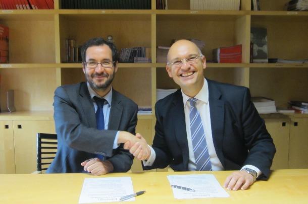 Firma acuerdo colaboración Veterindustria-Asebio. 7-6-13