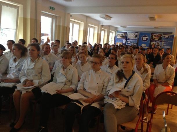 11 Esc. Host. Varsovia 04