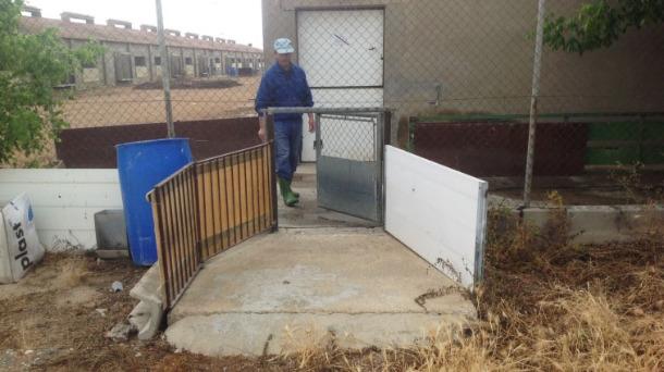 El muelle de carga impide contacto conductor-granjero