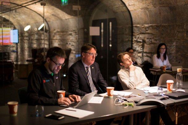 Jon Bradford (asesor del programa), Aidan Connolly (director de innovación de Alltech) y David Hunt (cofundador de Agrilarity), asesores del Pearse Lyons Accelerator.
