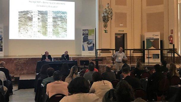 Paolo Berzaghi de la Universidad de Padua habló de las aplicaciones y retos del análisis NIR en granja