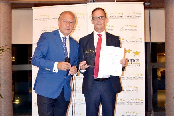 Manuel Navarro, responsable de Administración y Finanzas de Magapor, recibe elPremio Europeo a la Gestión e Innovación Empresarial.