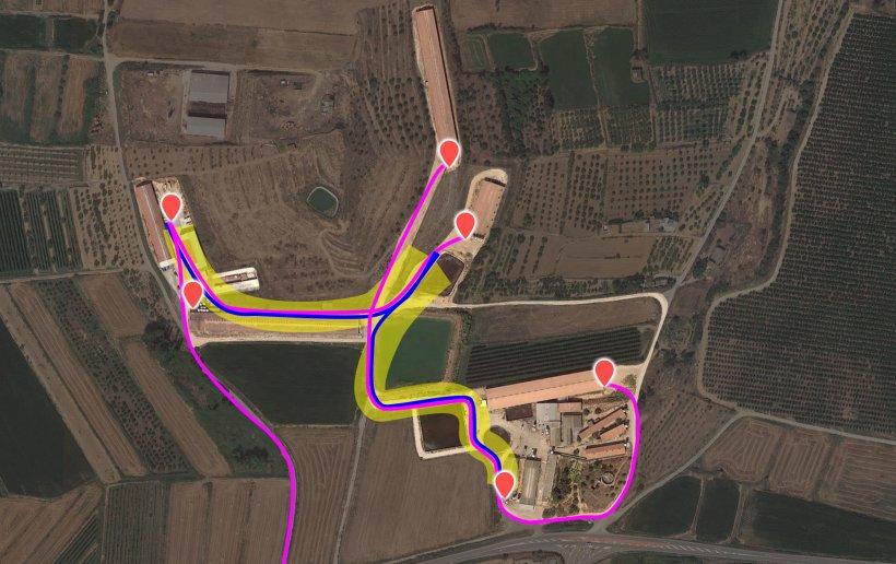 Imagen 3. Flujo de tráfico actual. El camión interno se ha representado en azul y el externo en lila. El resaltado amarillo representa la zona de riesgo de contaminación cruzada.