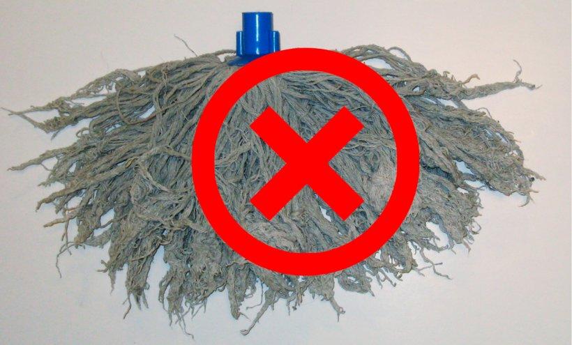 Imagen 2. Mocho con partes plásticas.
