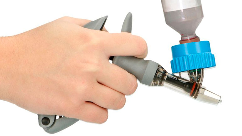 Image 1. Vaccination syringe.