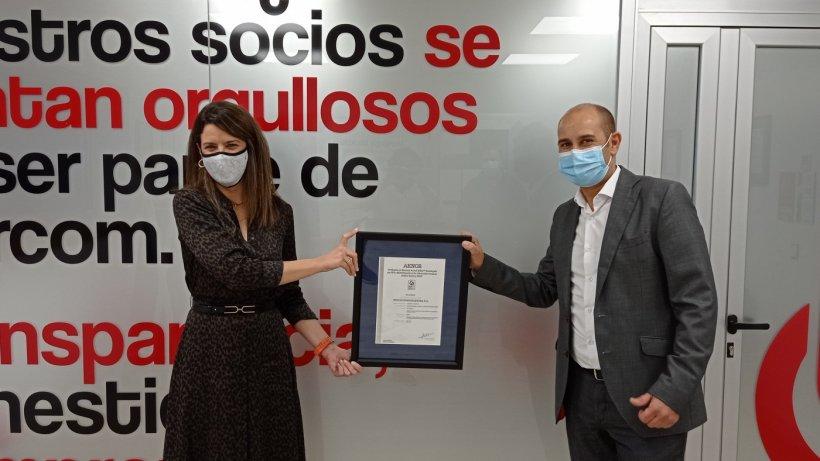 Monica Barroso, directora región sur en AENOR. José Ignacio Moríñigo, director general Ibercom cooperativa.