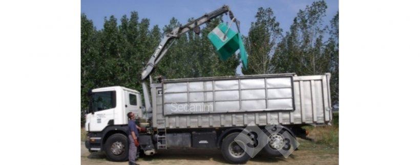 Imagen 4. Camión externo de recogida de bajas en granja. Foto cortesía de Secanim (España).