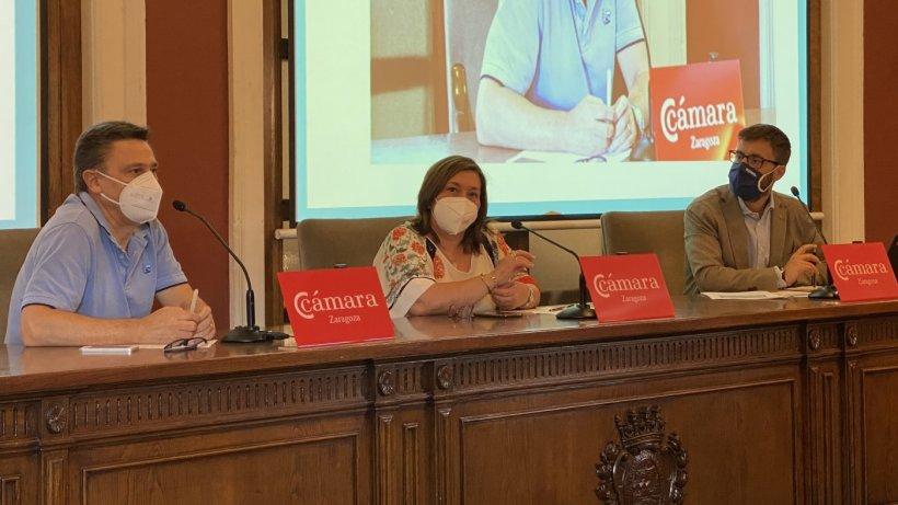 Arturo Daudén, Nieves Ágreda y Miguel Ángel Comín en la apertura de la sesión