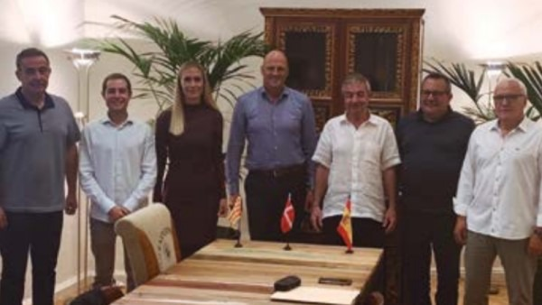 Miembros del consejo de dirección de Vilomix y Tegasa en el momento de la firma.