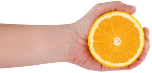 mano naranja