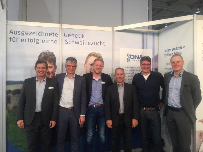 de izda a derecha: Galo Navarro (Andrimner-España), Soren Hertel (CEO Andrimner), Thomas Brune (Andrimner Alemania), Brett Bonwell (CEO DNA Genetics), Carsten Tautz (CEO Andrimner Alemania), Aloys Laue (Nutricionista)