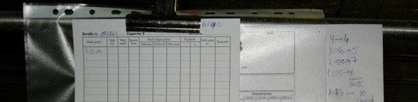 Maternidad: anotaciones sobre la ficha envuelta en una bolsa de plástico