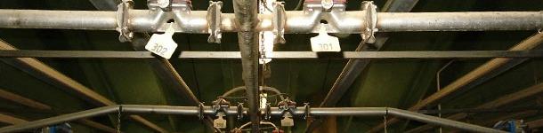 Numeración de válvulas de alimentación líquida con crotales de cerdas